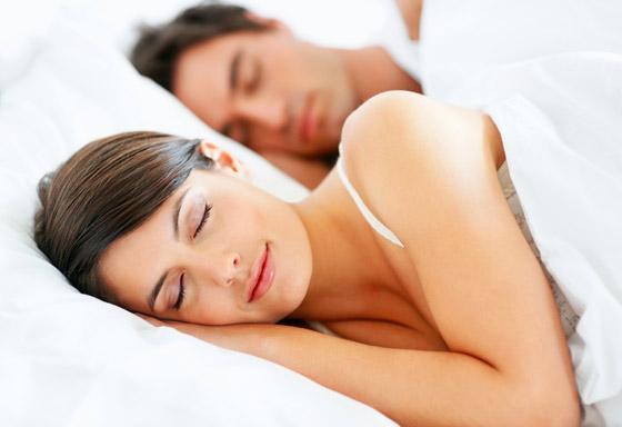 كثرة النوم تزيد الرغبة الجنسية عند المرأة
