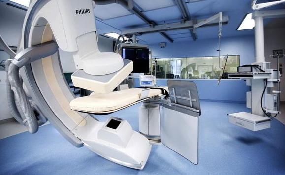 1453235107_luxury_clinic_uke_herzhybrid_op-942