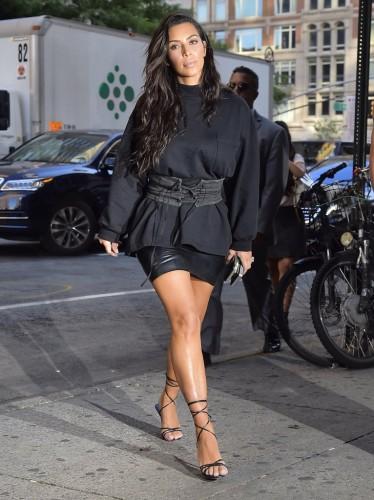 Kim-Wearing0-374x500
