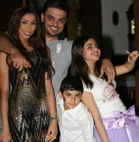 دنيا بطمة ومحمد الترك وابنائه
