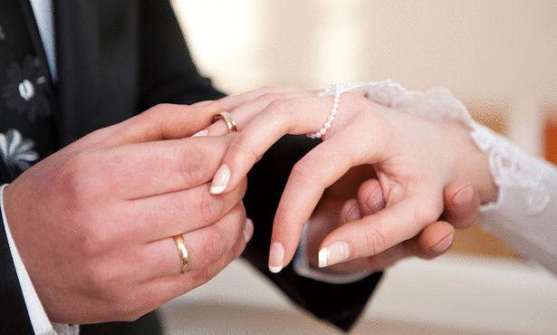 عروس تونسية تتنازل عن الذهب وتطلب مهرا من نوع آخر