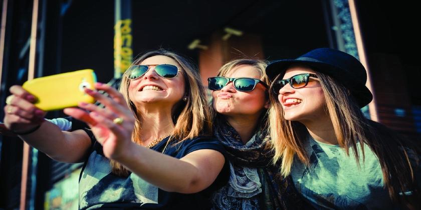 نصائح للمرأة بالمحافظة على الصديقات لتعزيز خصوبتها