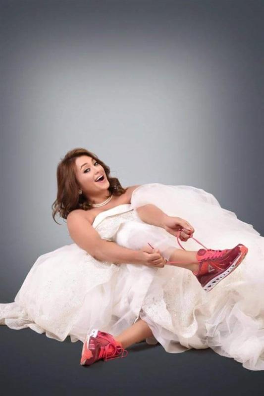 مروة عبدالمنعم تحتفل بطلاقها بفستان زفاف