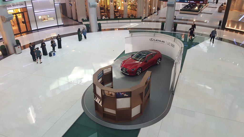 Lexus-Brand-Experience-Pilot---Dubai-Mall-Feb-23-2017-1