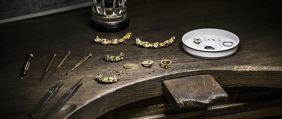 http://www.dior.com/couture/en_hk/jewellery/high-jewellery/dior-et-dopales