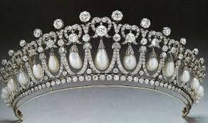 مجوهرات العائلة المالكة