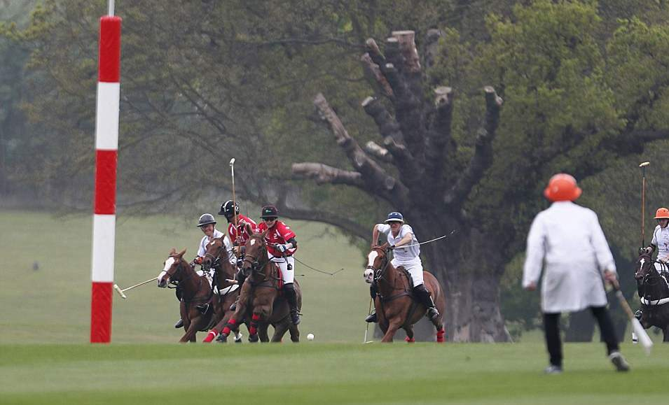40046AF800000578-4480130-The_Prince_left_took_part_in_the_annual_Audi_Polo_Challenge_at_C-a-8_1494088637617