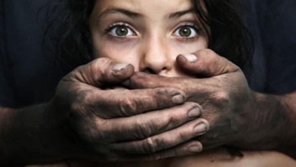 شرطة الرياض تعيد الطفلة المختطفة وتضبط الخاطفة