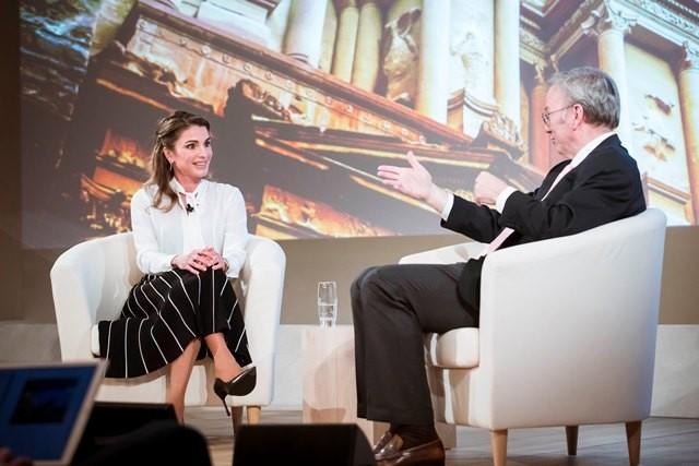 الملكة رانيا أثناء المؤتمر