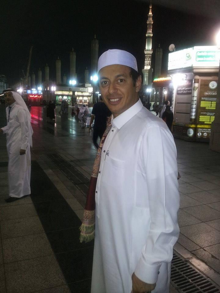 مصطفى شعبان يسافر الى السعودية ليؤدى عمرة شهر رمضان