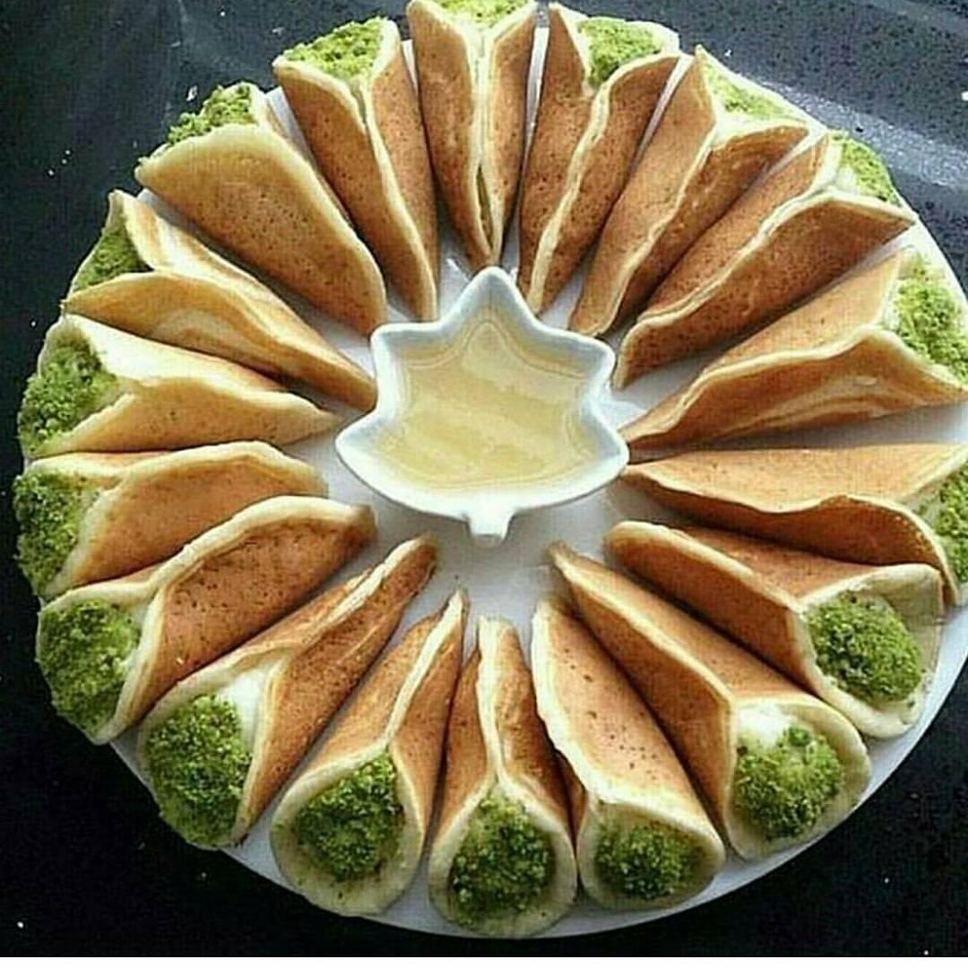 حلويات رمضان طريقة عمل قطايف مع الايس كريم وكريمة اللوتس