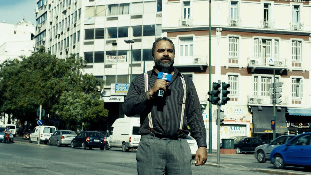 """في هذه الأثناء تذهب زوجة الضابط خالد الفنانة """"ريهام عبد الغفور"""" إلى إحدى الدجالات المغربيات من أجل مساعدتها في حل مشكلة عدم قدرتها على الإنجاب."""