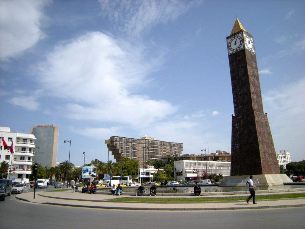 اضخم-عرض-ازياء-في-العالم-بطول-شارع-الحب- (1)