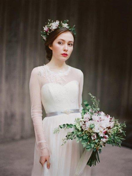 افضل-انواع-والوان-الاقمشة-المميزة-المميزة-المطرزة-لخياطة-فساتين-الزفاف- (9)