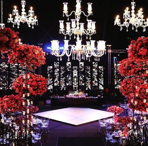 افكار-لتزيين-قاعات-حفلات-الزفاف-بالوررود- (1)
