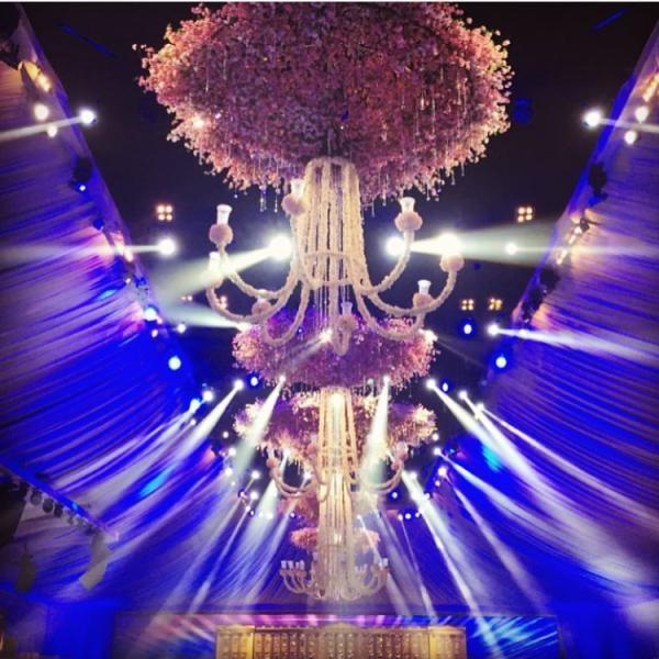 افكار-لتزيين-قاعات-حفلات-الزفاف-بالوررود- (32)