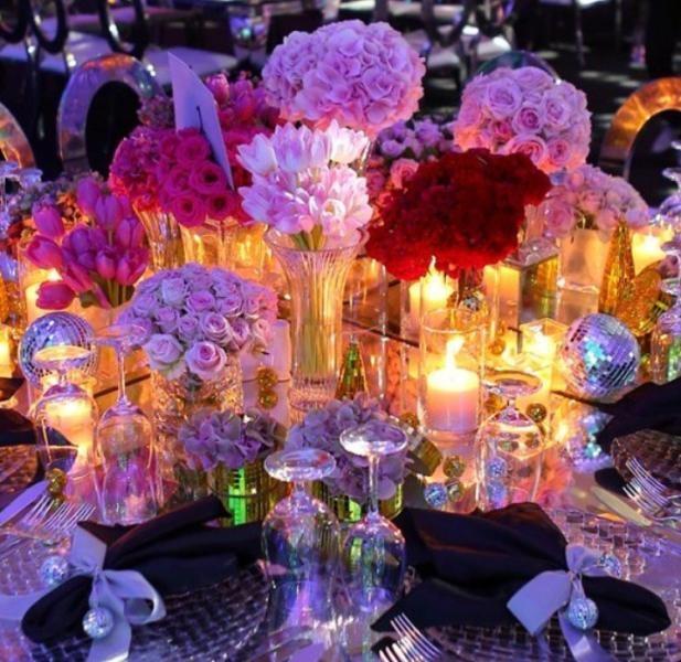 افكار-لتزيين-قاعات-حفلات-الزفاف-بالوررود- (33)