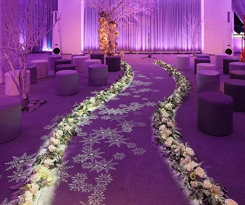 Beautiful Church Wedding Decorations: ثيمات زواج رائعة باللون البنفسجي