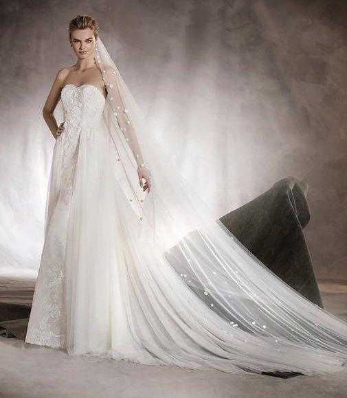 طرحة الزفاف شفافة