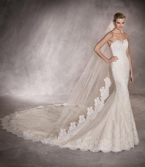 طرحة الزفاف الشفافة بنفس طول الفستان