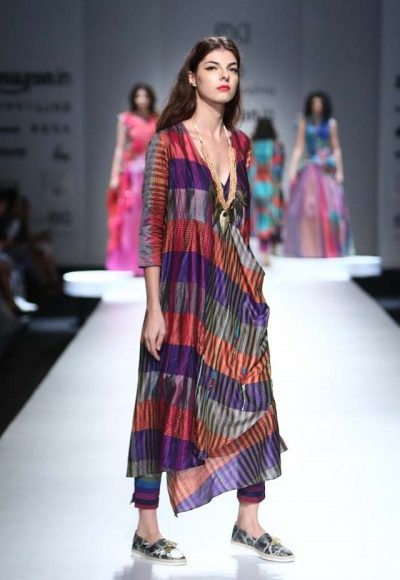 فستان هندي ملون