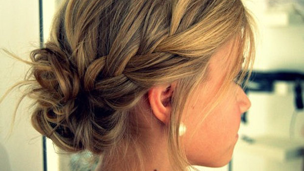تسريحات-شعر-بسيطة-للعروس-في-شهر-العسل