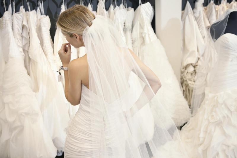4 نصائح للعروس لاختيار فستان الزفاف المناسب