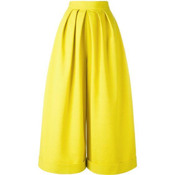 اللون الاصفر من الالوان الرائجة لهذا الموسم