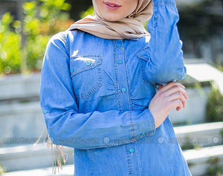 طرق تنسيق القميص الجينز للمحجبات مع البنطلون لاطلالة كاجوال