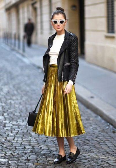 تنورة من اللون الذهبي