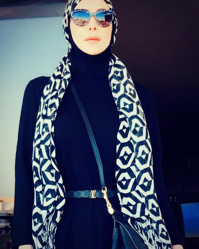 أمل حجازي بالحجاب