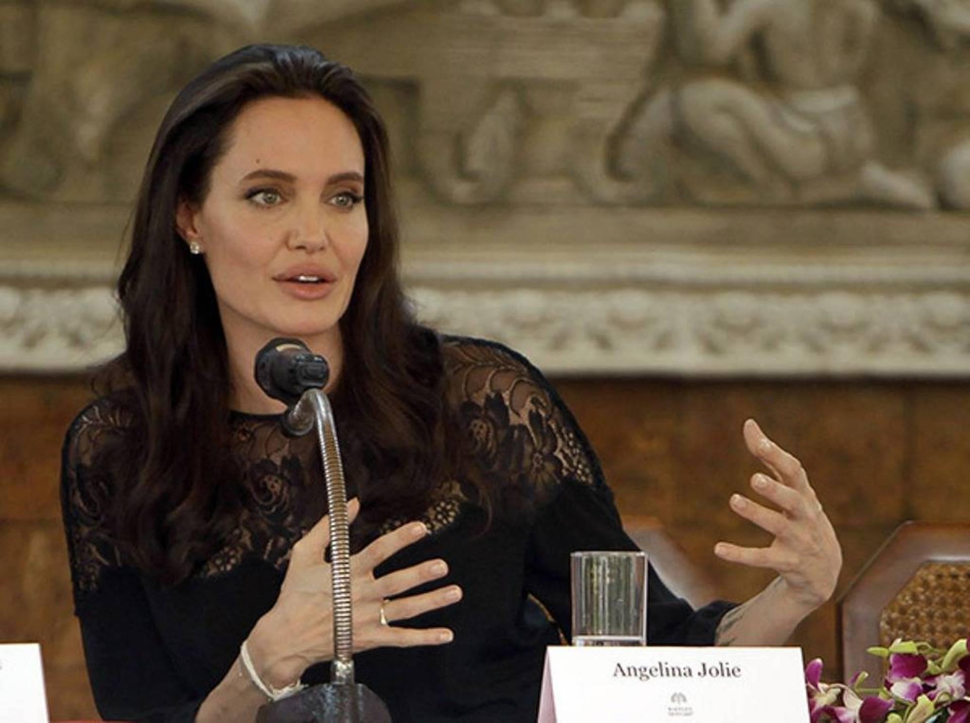 انجلينا جولي تكشف تعرضها للتحرش