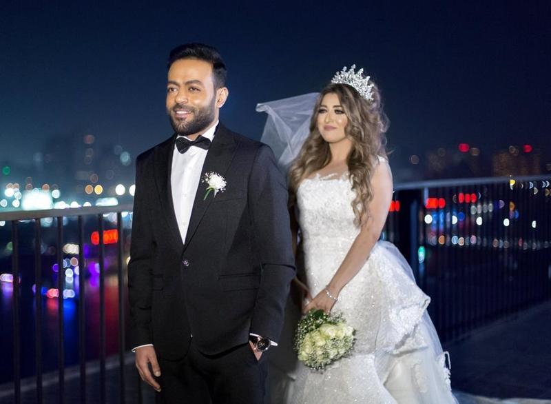 جلسة_تصوير_تامر_عاشور_وزوجته