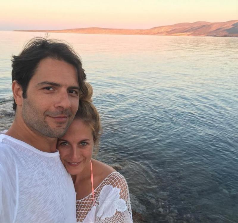 جنان-ارجودار-مع-زوجها