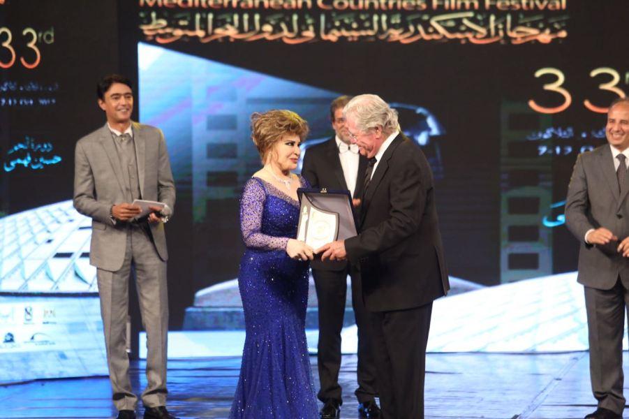 تكريم حسين فهمي وصفية العمري