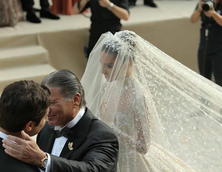 والد العروس