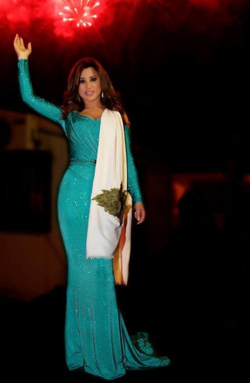 صورة-فستان-نجوى-كرم-باللون-الوردي- (13)
