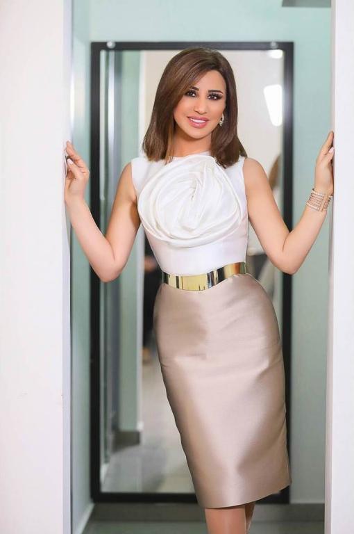 صورة-فستان-نجوى-كرم-باللون-الوردي- (25)