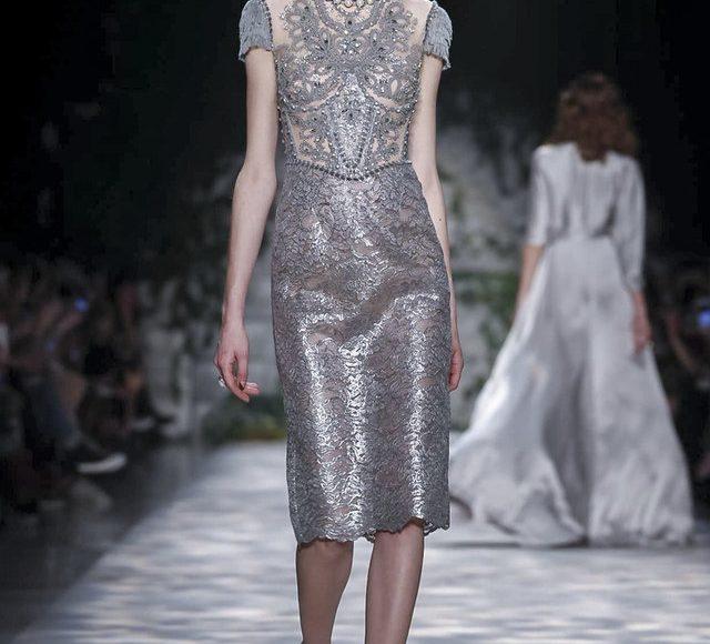 فستان خطوبة فضي