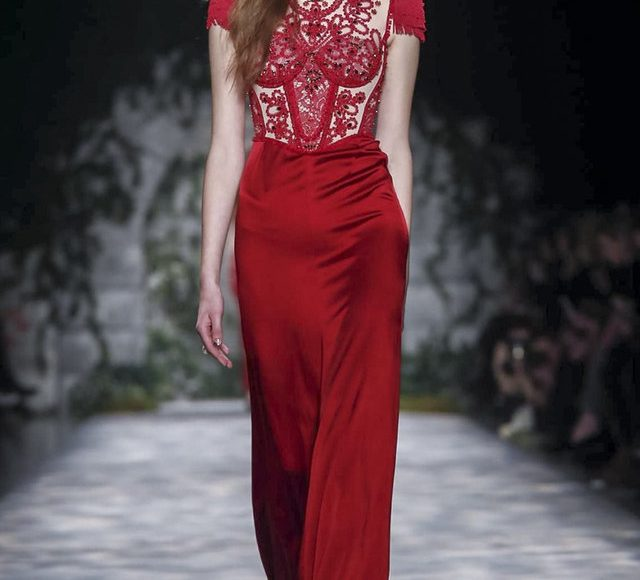 فستان خطوبة احمر جذاب