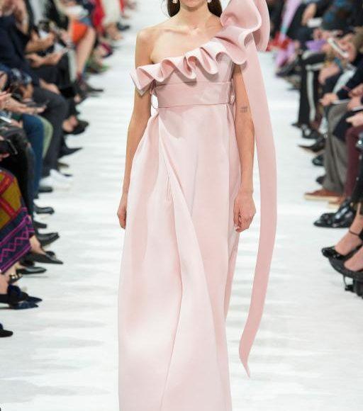 فستان خطوبة من فالنتينو