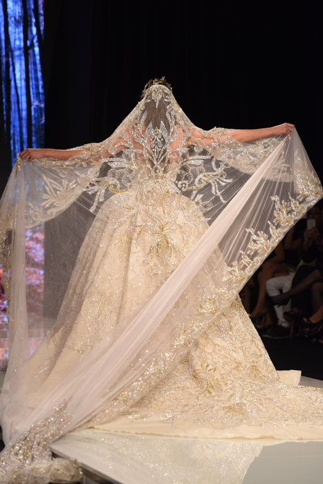 فستان-ملكي-من-لابورجوازي