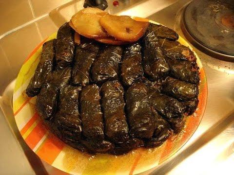 طبق ورق عنب مع دبس الرمان