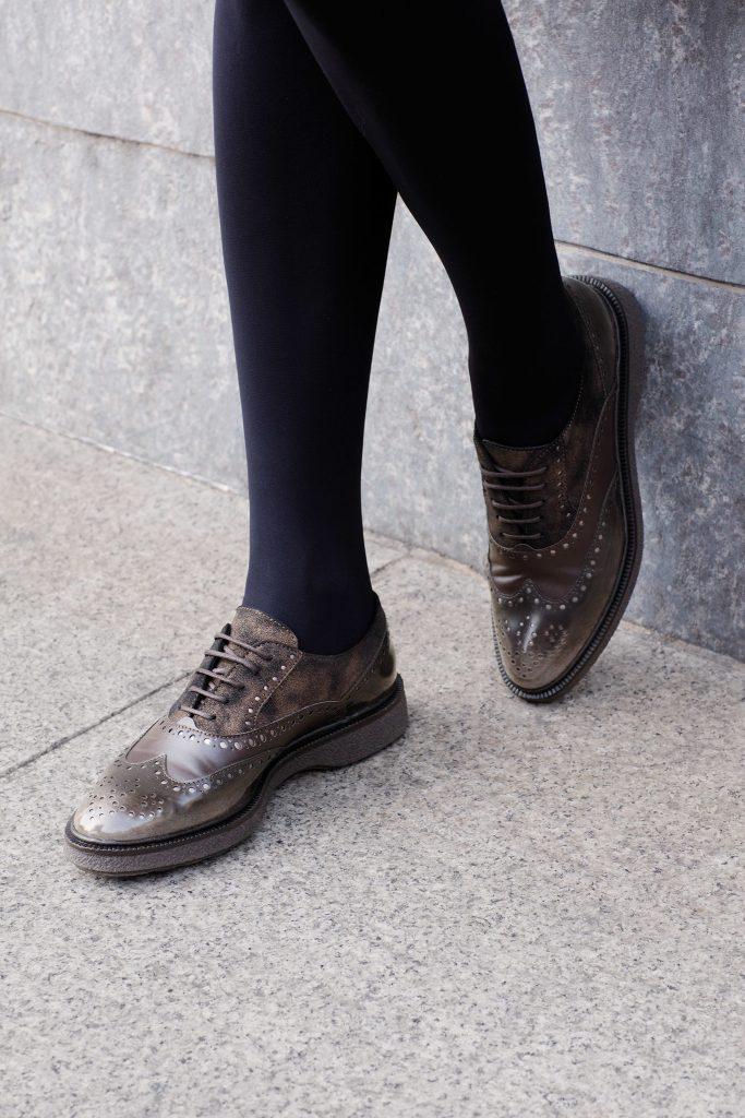 حذاء_جلدي_برقبة_قصيرة