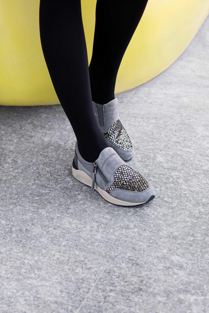 حذاء_رياضي_بكعب