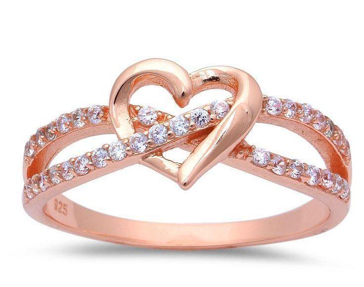 خاتم زفاف على شكل قلب