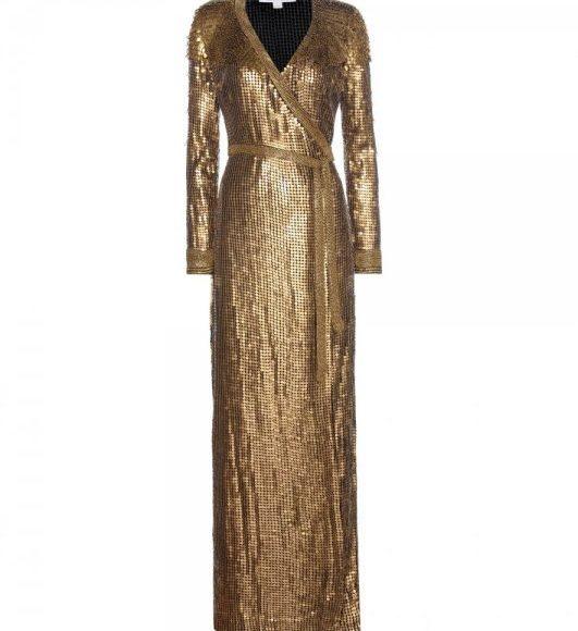 الفستان الذهبي الطويل