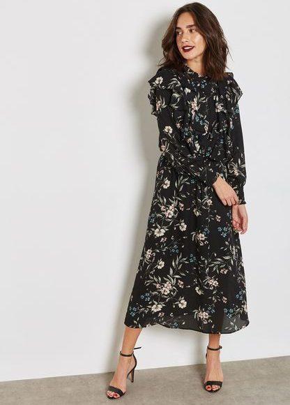 فستان اسود بكم طويل