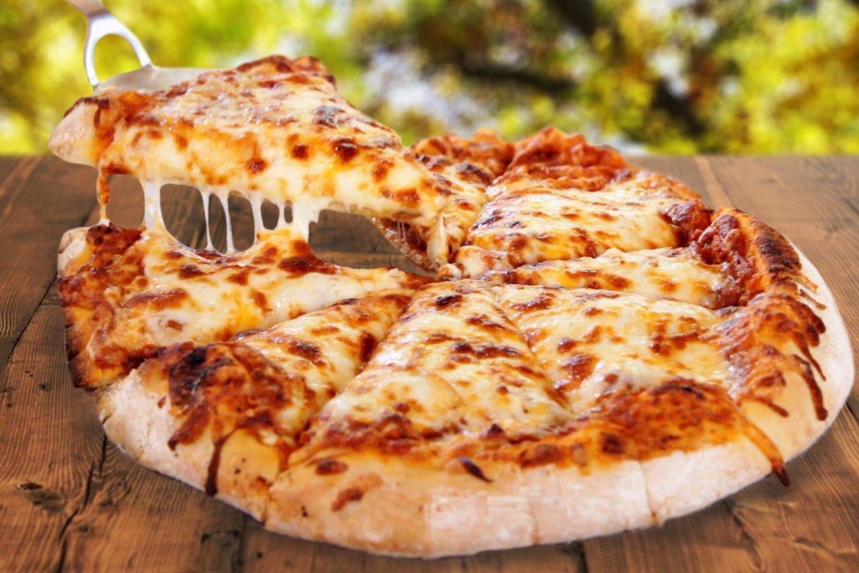 طريقة عمل البيتزا بالفراخ مثل المطاعم بالصور خطوة بخطوة الراقية
