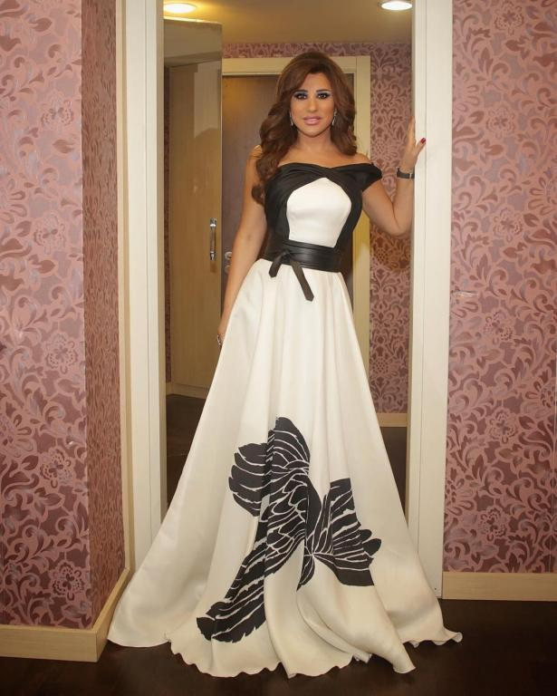 فستان-ذو-التصميم-العريض